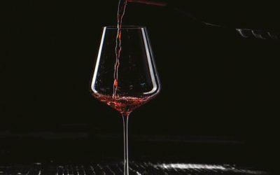 Verres de dégustation : le vin est-il sous influence ?
